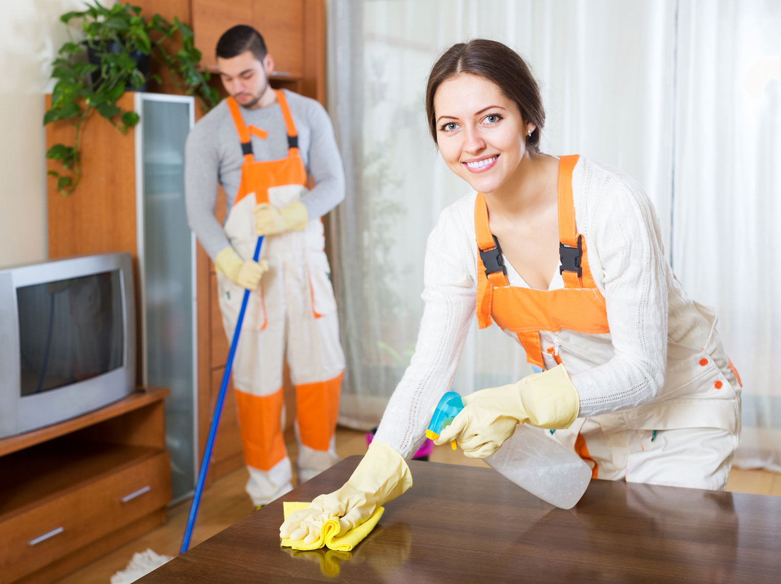 House-cleaning-team