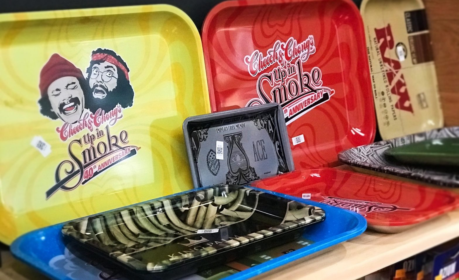 types-of-rolling-trays